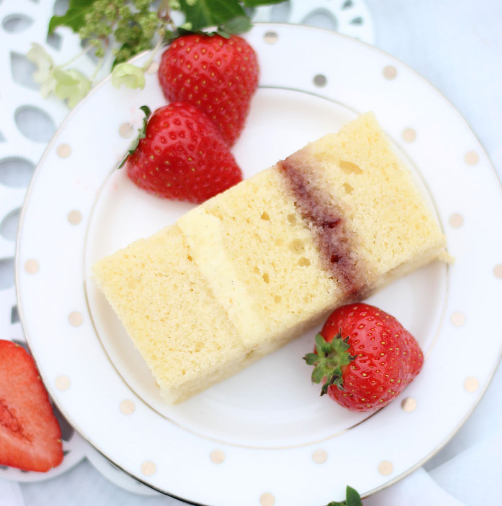 Champagne and Strawberry cake